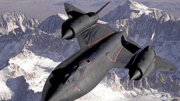 Hipersoniczny samolot dalekiego zwiadu strategicznego amerykańskich sił powietrznych Lockheed SR-71 Blackbird - Sputnik Polska