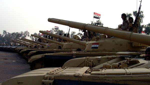 Czołg T-72 produkcji radzieckiej w obozie wojskowym w Iraku - Sputnik Polska