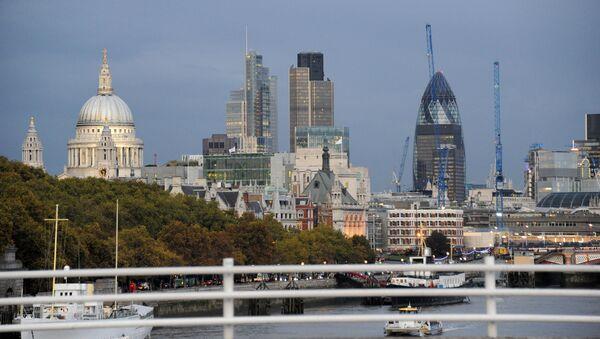 Widok na miasto London z mostu Waterloo - Sputnik Polska