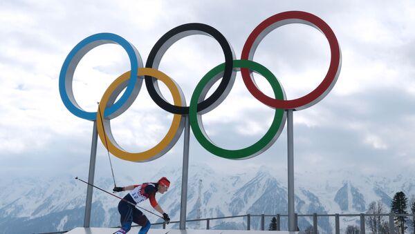 Jewgienija Szapowałowej na zawodach w narciarstwie biegowym wśród kobiet na XXII Zimowych Igrzyskach Olimpijskich w Soczi - Sputnik Polska