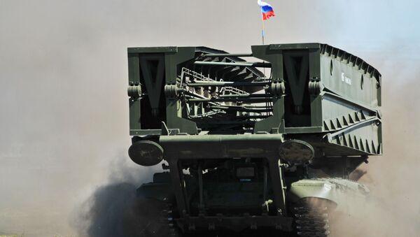 Czołg mostowy MTU-90 - Sputnik Polska