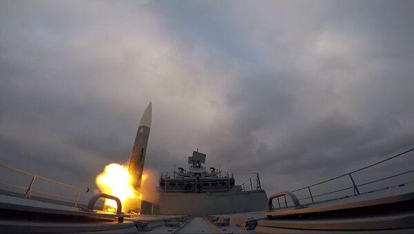 Fregata Admirał Makarow wykonała wystrzały rakietowe - Sputnik Polska