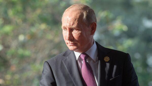 Prezydent Rosji Władimir Putin na szczycie APEC w Wietnamie - Sputnik Polska