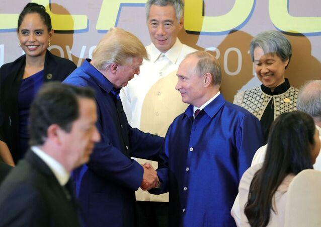 Prezydent Rosji Władimir Putin i prezydent USA Donald Trump