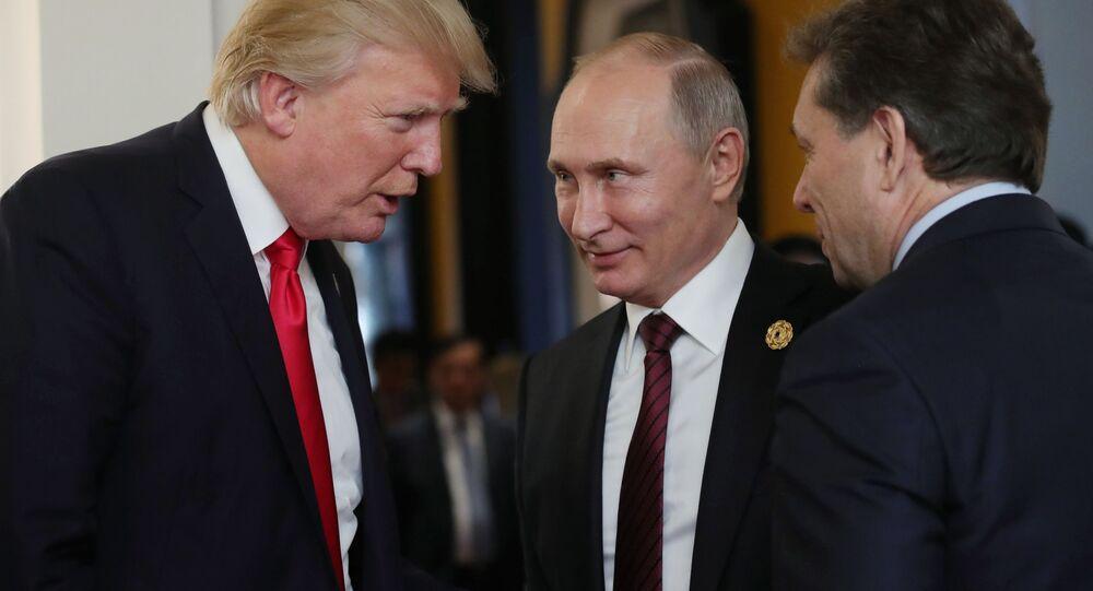 Prezydent USA Donald Trump i prezydent Rosji Władimir Putin