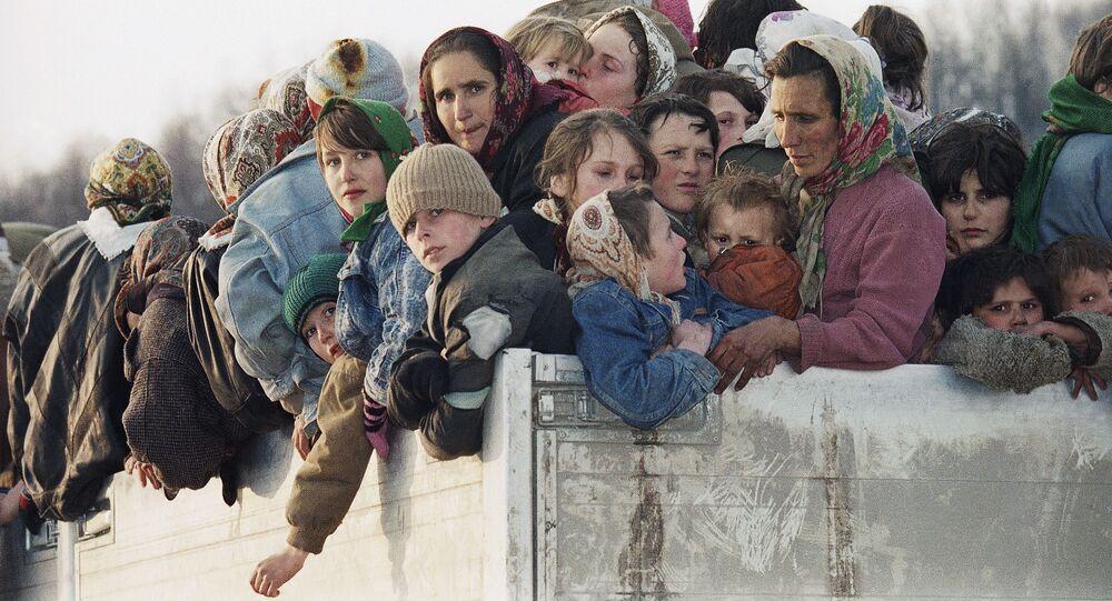 Ewakuowani ciężarówkami muzułmańscy mieszkańcy Srebrenicy