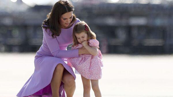 Katarzyna, księżna Cambridge z córką - Sputnik Polska