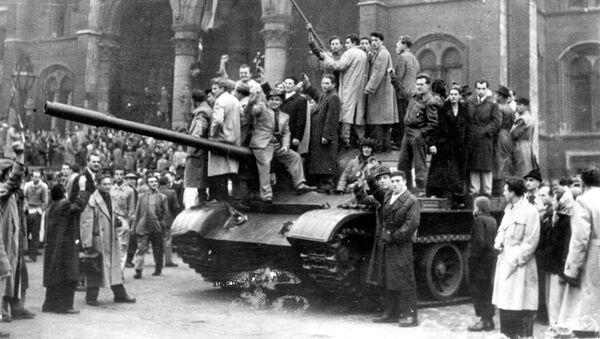 Powstanie na Węgrzech przeciwko ustrojowi radzieckiemu w 1956 roku - Sputnik Polska
