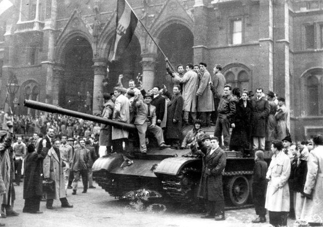 Powstanie na Węgrzech przeciwko ustrojowi radzieckiemu w 1956 roku