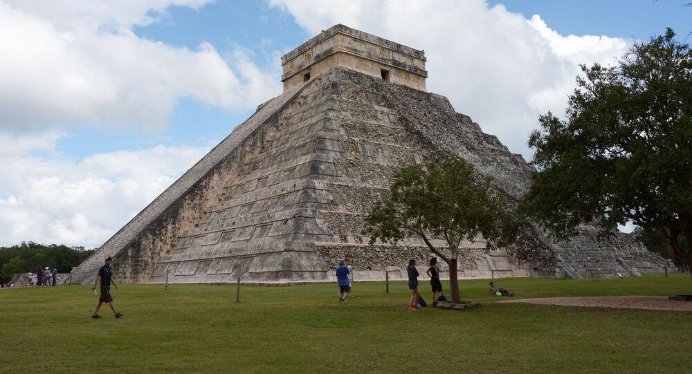 Pod piramidą Kukulkana w Meksyku odkryto zagadkowy tunel