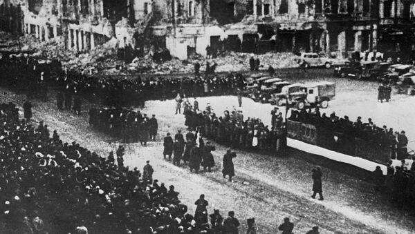 Parada wojskowa w wyzwolonej Warszawie - Sputnik Polska