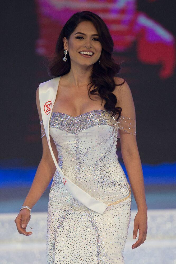 Drugie miejsce zajęła Meksykanka Alma Andrea Meza Carmona.