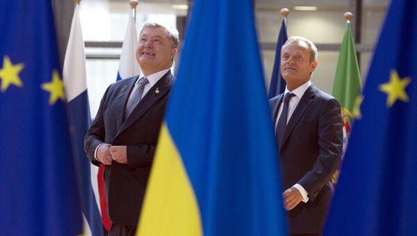 Donald Tusk i Piotr Poroszenko - Sputnik Polska