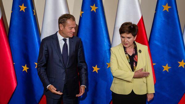 Przewodniczący Rady Europejskiej Donald Tusk i premier RP Beata Szydło - Sputnik Polska