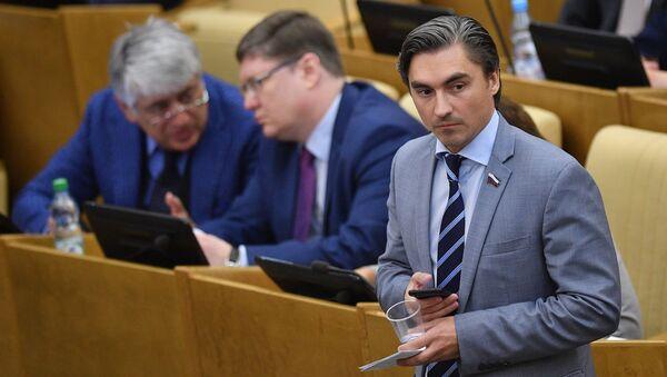 Wiceprzewodniczący komisji ds. polityki informacyjnej, technologii informacyjnych i łączności Dumy Państwowej Andriej Swincow - Sputnik Polska