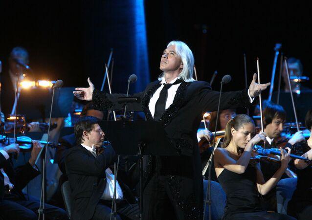 Śpiewak operowy Dmitrij Chworostowski