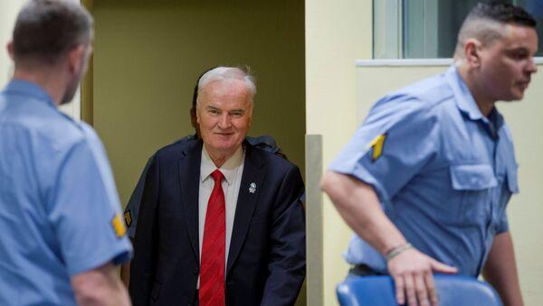 Były dowódca armii bośniackich Serbów Ratko Mladic w Międzynarodowym Trybunale Karnym dla byłej Jugosławii w Hadze - Sputnik Polska