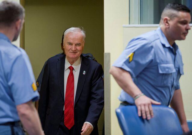 Były dowódca armii bośniackich Serbów Ratko Mladic w Międzynarodowym Trybunale Karnym dla byłej Jugosławii w Hadze
