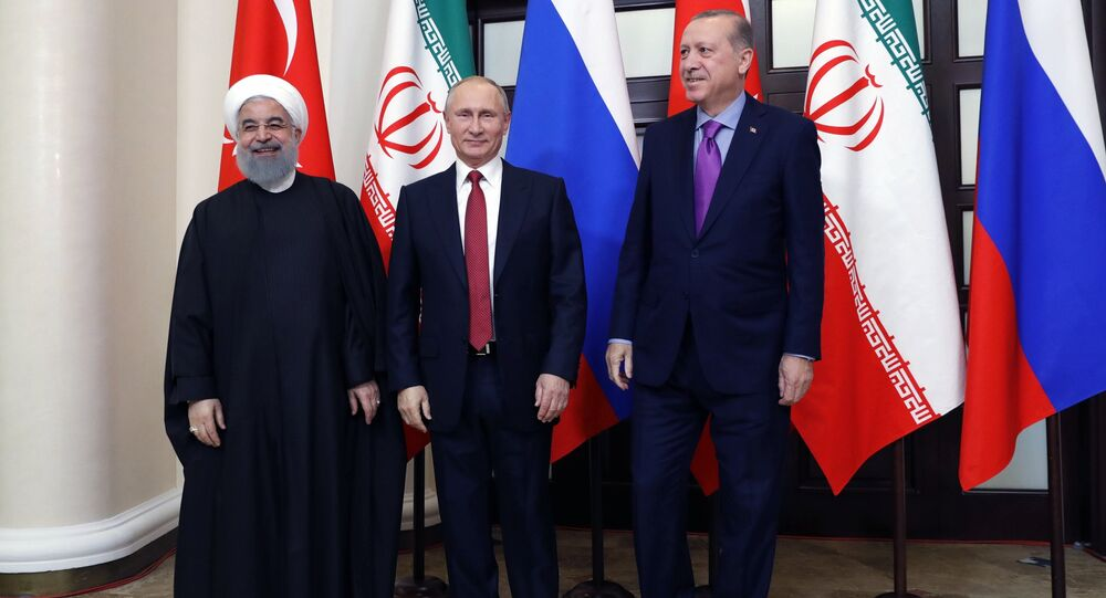 Prezydent Rosji Władimir Putin, prezydent Iranu Hassan Rouhani i prezydent Turcji Recep Tayyip Erdogan
