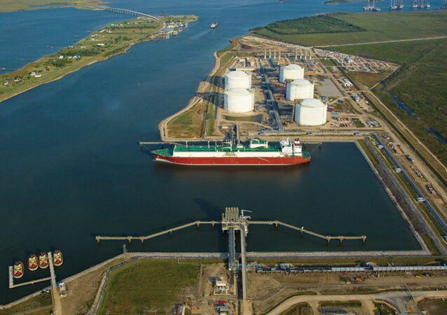 Terminal LNG  w Sabine Pass, Teksas