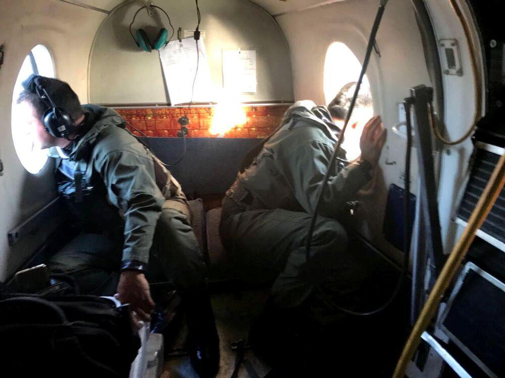 Członkowie argentyńskiej marynarki wojennej podczas poszukiwania zaginionego okrętu podwodnego San Juan
