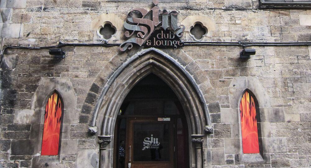 Klub Sin w budynku dawnego kościoła w Edynburgu