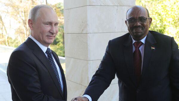 Prezydent Sudanu Umar al-Baszir i prezydent Rosji Władimir Putin na spotkaniu w Moskwie - Sputnik Polska