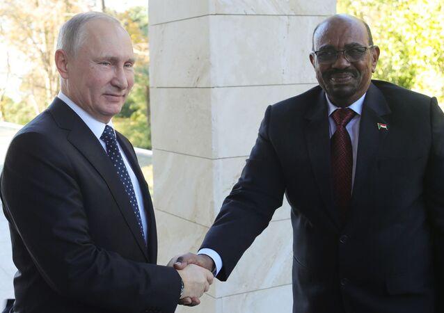Prezydent Sudanu Umar al-Baszir i prezydent Rosji Władimir Putin na spotkaniu w Moskwie