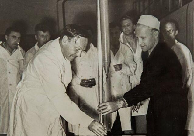 Pierwsze uruchomienie reaktora jądrowego IRT-2000