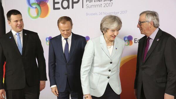 Premier Estonii Jüri Ratas, przewodniczący Rady Europejskiej Donald Tusk, premier Wielkiej Brytanii Theresa May i przewodniczący Komisji Europejskiej Jean-Claude Juncker na szczycie Partnerstwa Wschodniego w Brukseli - Sputnik Polska