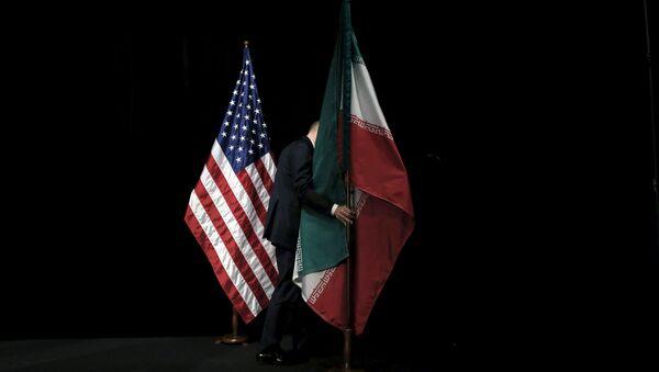 Flagi USA i Iranu w Wiedniu - Sputnik Polska