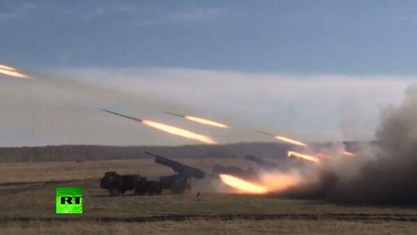 Próby rakiet podczas ćwiczeń wojskowych - Sputnik Polska