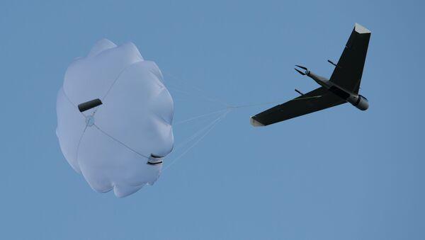"""Lot demonstracyjny jednego z bezzałogowych statków powietrznych produkowanych przez firmę Zala na lotnisku """"Wichrewo"""" w obwodzie moskiewskim - Sputnik Polska"""