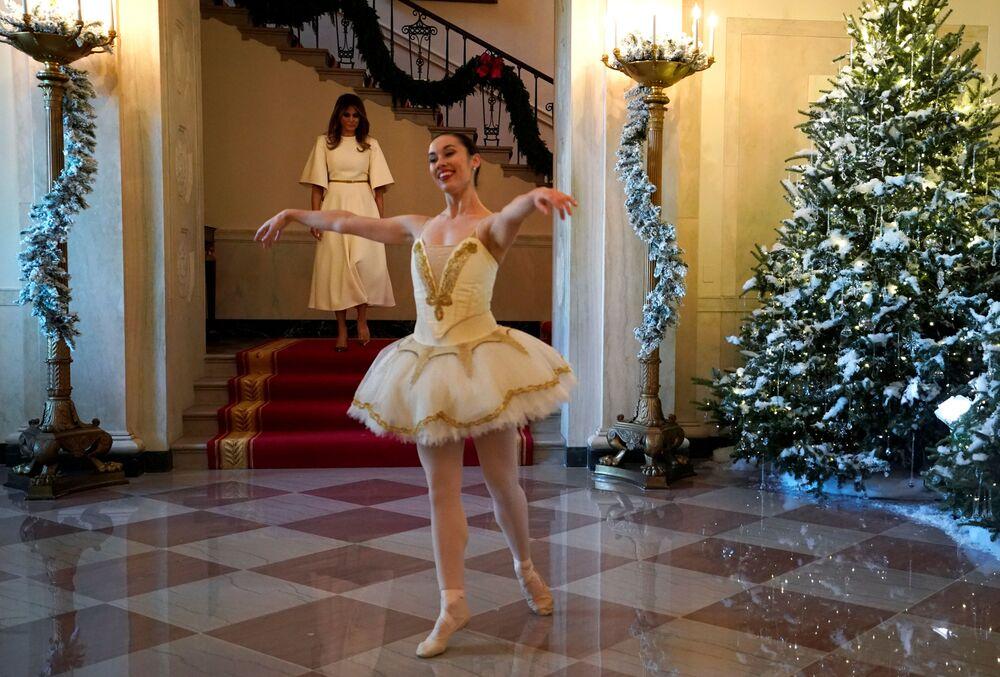 Melania Trump i tancerka baletowa w Białym Domu