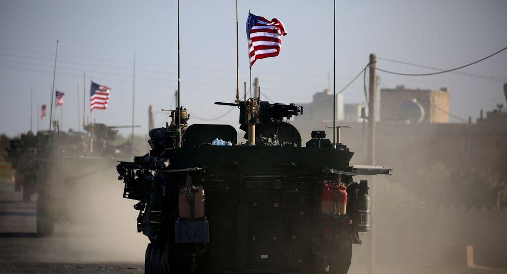 Siły zbrojne USA na obrzeżach syryjskiego miasta Manbij. Zdjęcie archiwalne