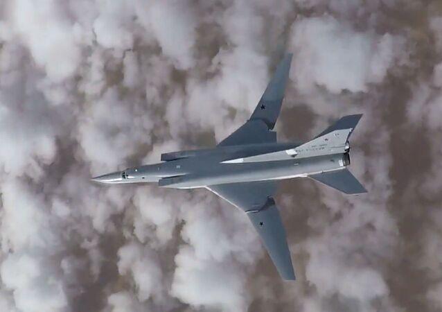 Tu-22M3 atakuje obiekty terrorystów w Syrii