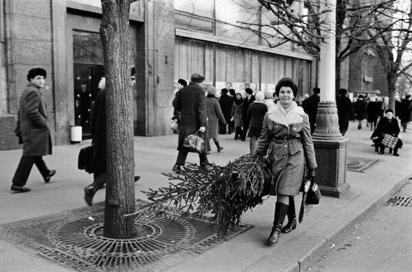 Przeddzień Nowego Roku w centrum Moskwy, 1972 rok - Sputnik Polska