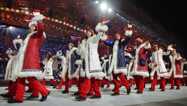 Przedstawiciele Rosji na paradzie atletów i członków delegacji narodowych na ceremonii inauguracji XXII Igrzysk Olimpijskich w Soczi - Sputnik Polska