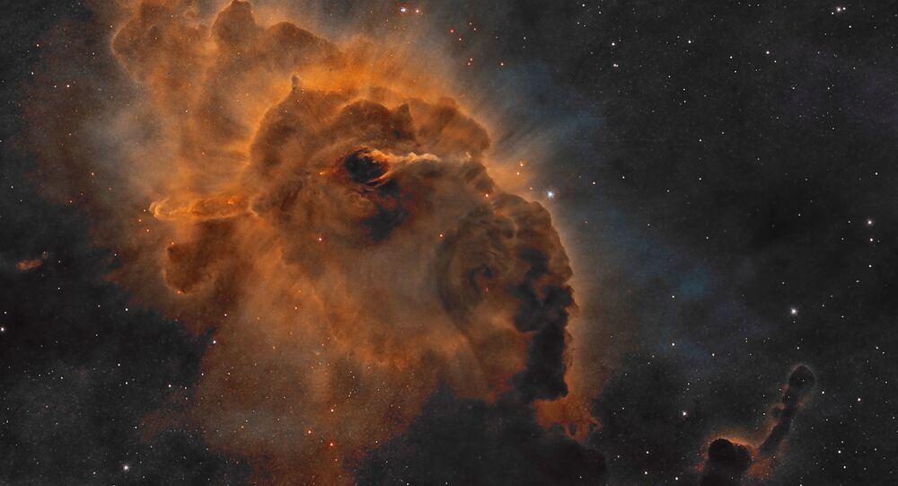 Zdjęcia kosmicznej mgławicy w gwiazdozbiorze Carina