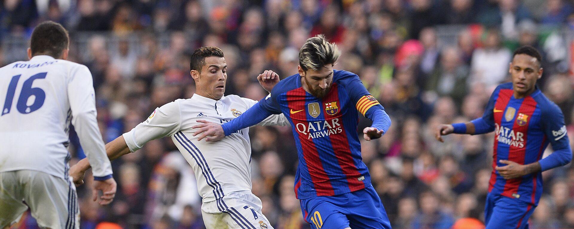 Cristiano Ronaldo i Lionel Messi - Sputnik Polska, 1920, 05.08.2021
