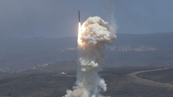 Testy naziemnego systemu obrony przeciwrakietowej USA - Sputnik Polska