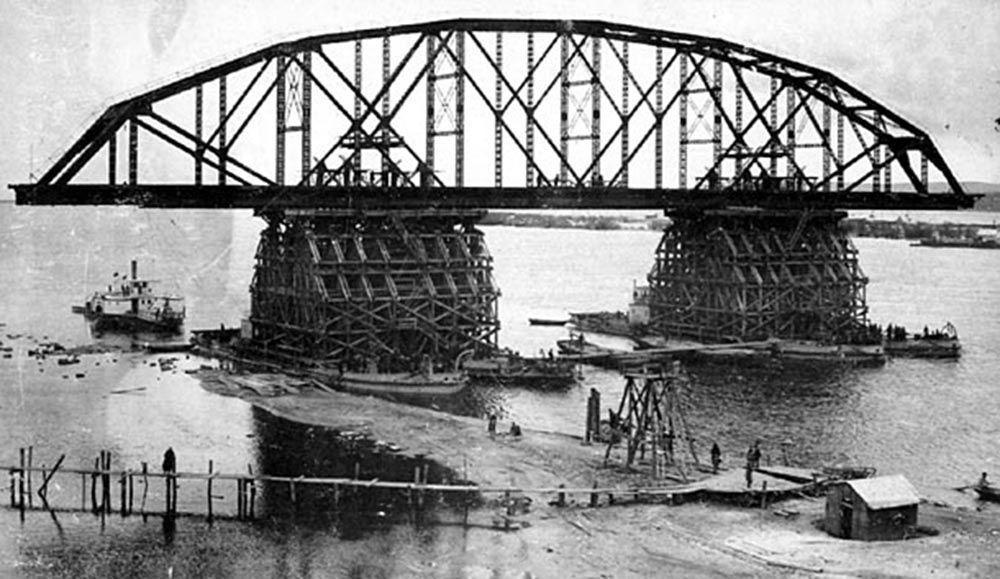 Budowa mostu Amurskiego niedaleko Chabarowska.