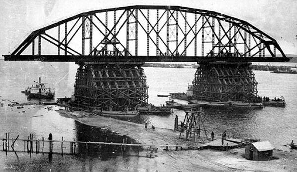 Budowa mostu Amurskiego niedaleko Chabarowska. - Sputnik Polska
