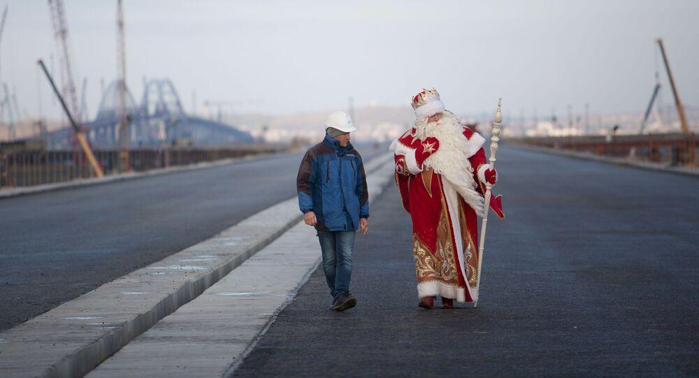 Dziadek Mróz przyszedł na Krym przez Most Kerczeński