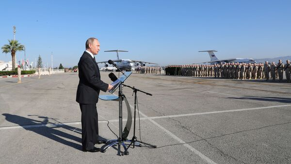 Władimir Putin odwiedził bazę lotniczą Hmeimim w Syrii - Sputnik Polska