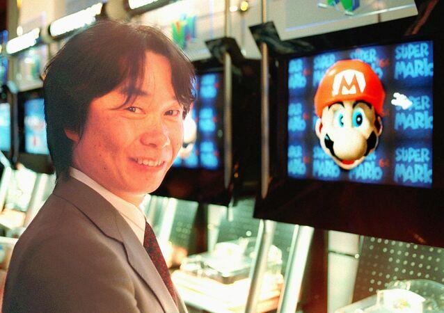 Projektant Nintendo prezentuje grę Super Mario przed jej pojawieniem się na niemieckim rynku