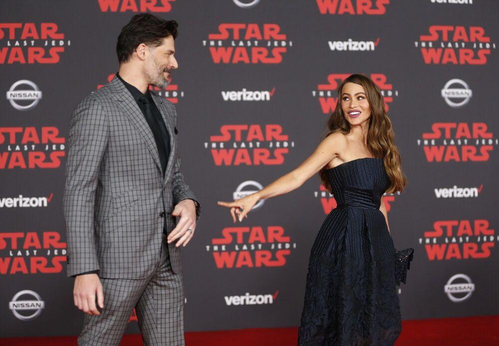 Aktorzy Joe Manganiello i Sofia Vergara na premierze filmu Gwiezdne wojny