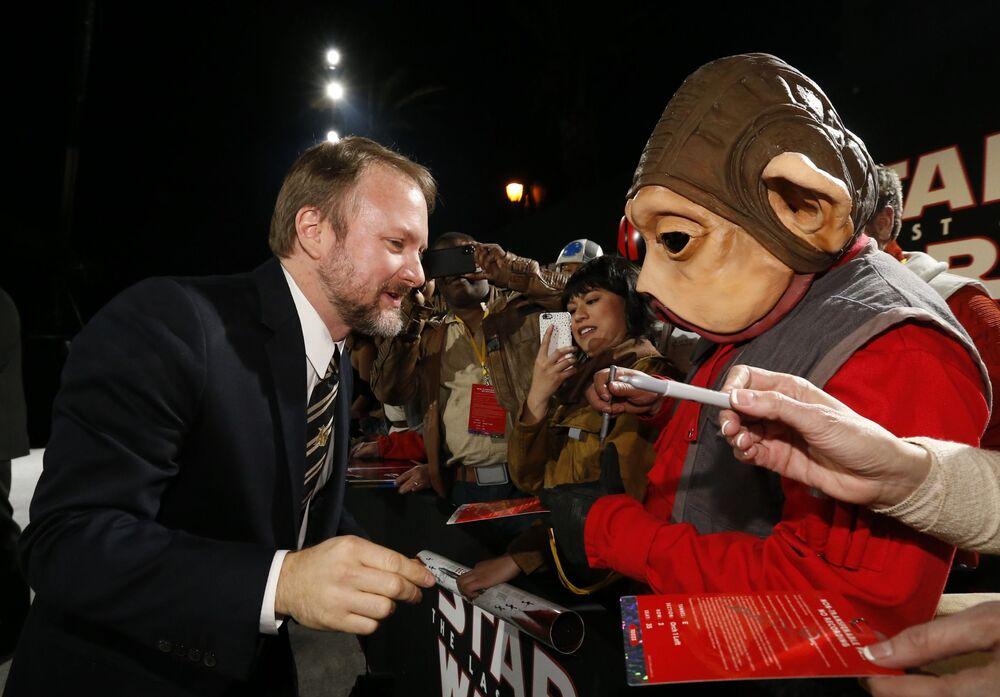 Reżyser Rian Johnson na premierze filmu Gwiezdne wojny