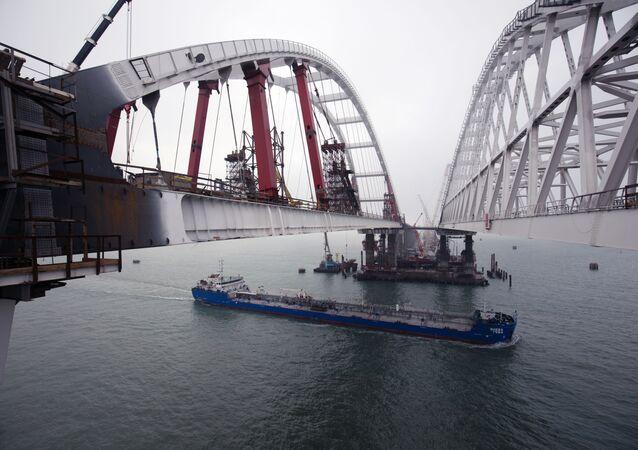 Budowa mostu przez Cieśninę Kerczeńską na Krym