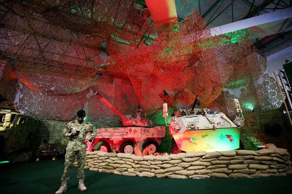 Sprzęt wojskowy na międzynarodowej wystawie broni i sprzętu wojskowego Gulf Defence & Aerospace 2017 - Sputnik Polska
